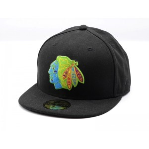 NEW ERA BLACKHAWKS NEON FITTED CAP